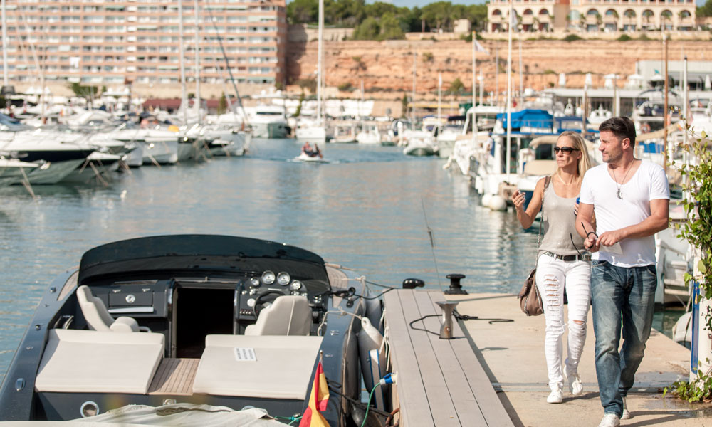 Santa Ponsa apartment residential community near Port Adriano & El Toro property market with Frauscher boats