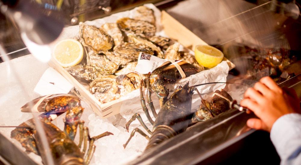 Lobster-Oysters-Ritzi-Puerto-Portals