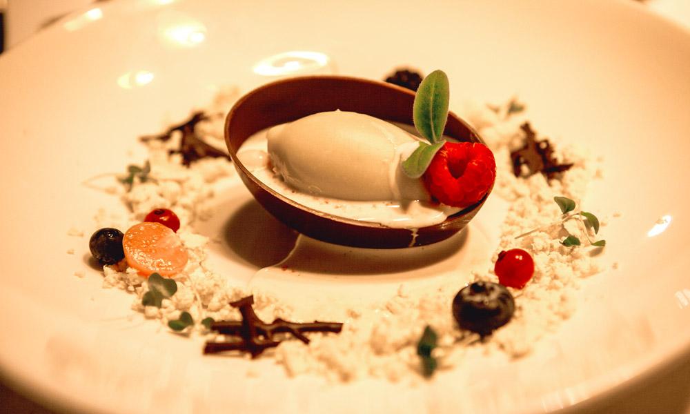 Michelin Oliu restaurant gourmet spain port andratx mallorca dessert