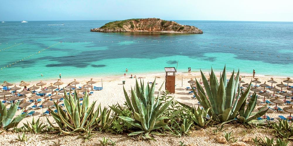Playa-paltja-oratori-beach-puerto-portals