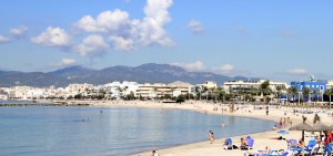 Es Molinar property market - beachfront apartments.
