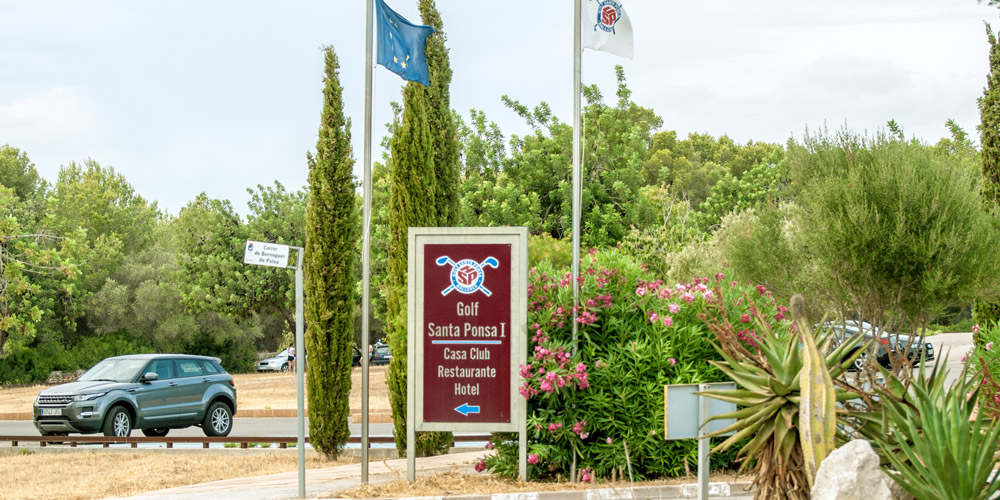 Santa Ponsa property buyers enjoy the local golf club.