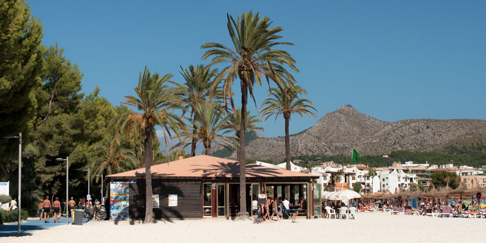 Alcudia Beach Cafe Chiringuito Balneario Playa de Muro casafari spain buy real estate property mallorca