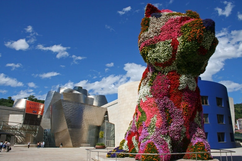 Guggenheim museum Bilbao casafari article blog 20 reasons facts to love about and live in spain buy real estate property