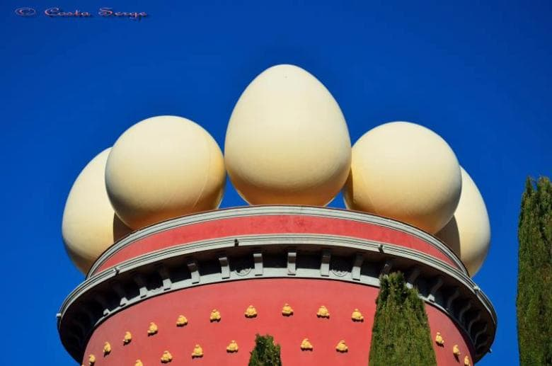 Salvador Dali museum in Figueres casafari article blog 20 reasons facts to love about and live in spain buy real estate property