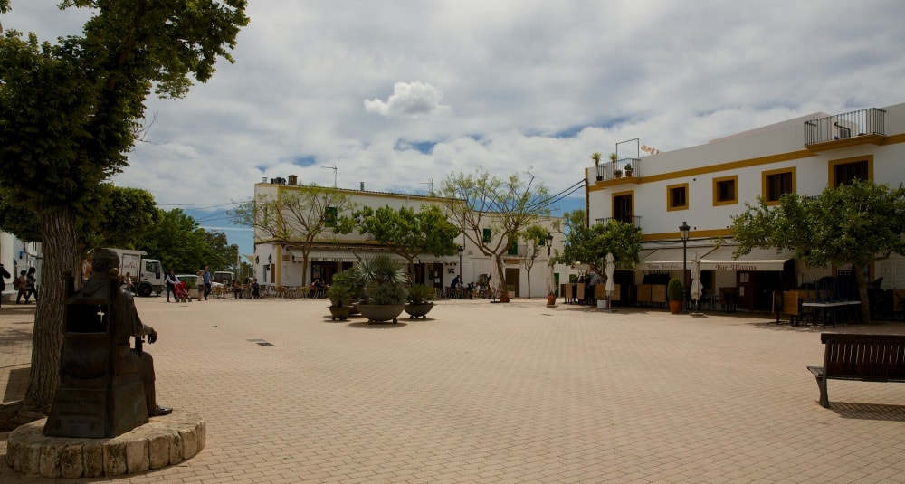 santa gertrudis plaza ibiza
