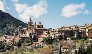 Valldemossa property market view.