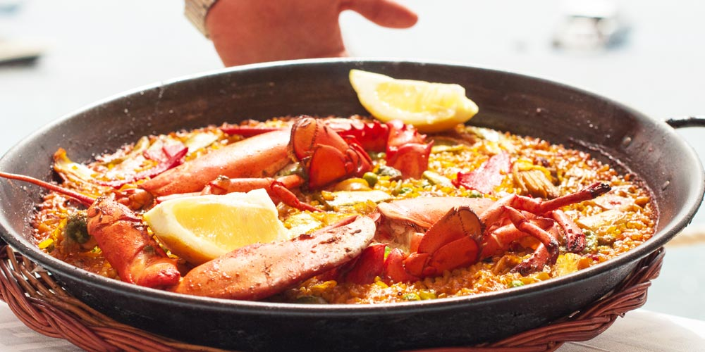 Reasons-to-love-Spain-food-paella-lobster-bogavante-mallorca-casafari