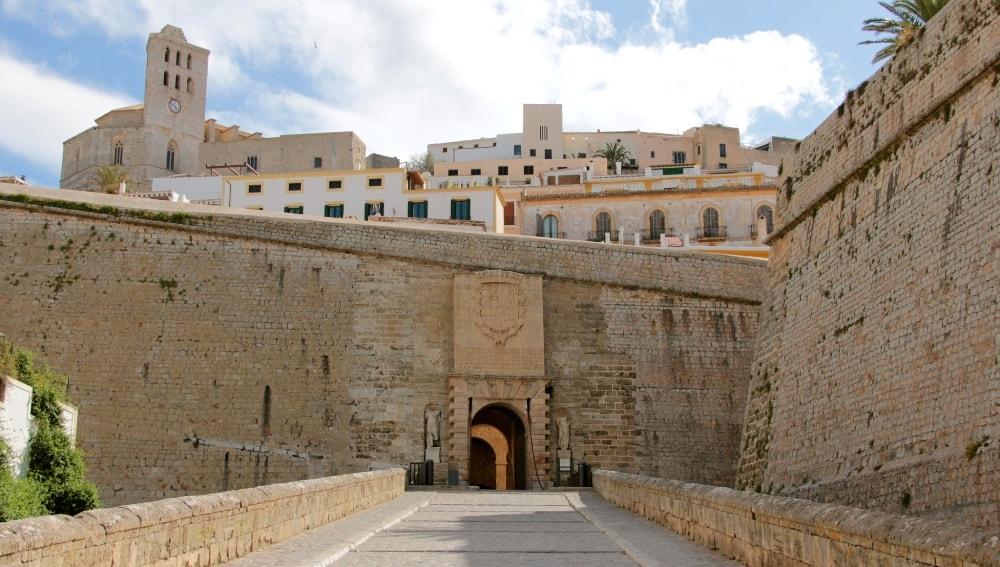 dalt vila ibiza old town fortfication walls casafari
