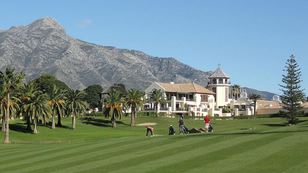 Costa del Sol property owners enjoy wide selection of exceptional golf courses.