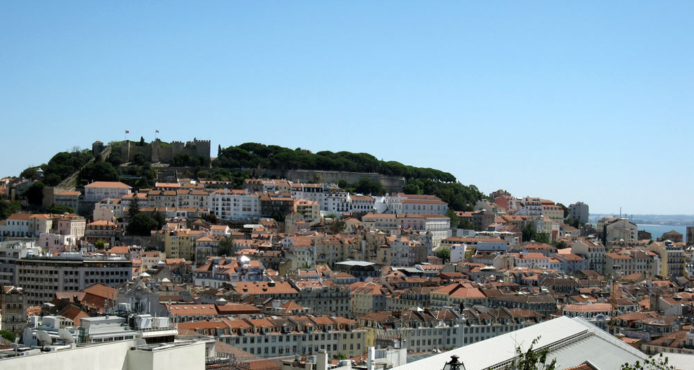 Buyers of Bairro Alto property appreciate beautiful view from Miradouro Santa Catarina.