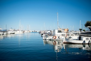 Botafoch property market offers houses and apartments with beautiful views of the marina and the old town.