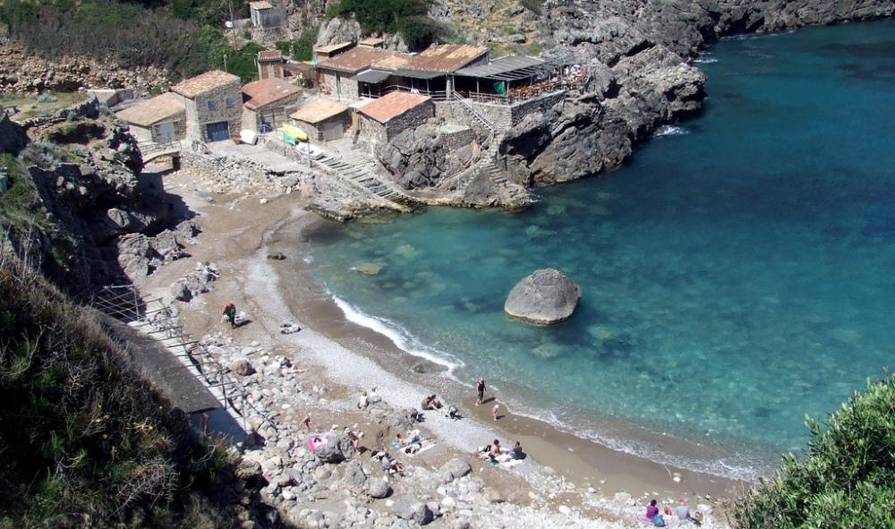 Deia property market is surrounded by beautiful beaches like Cala Deia beach.