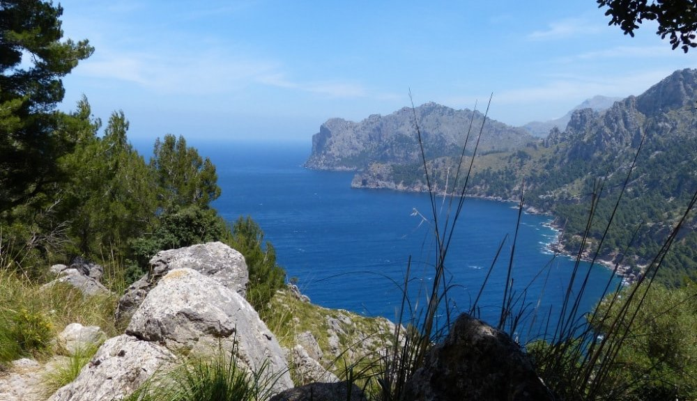 fornalutx-surroundings-hiking-views-mallorca-min
