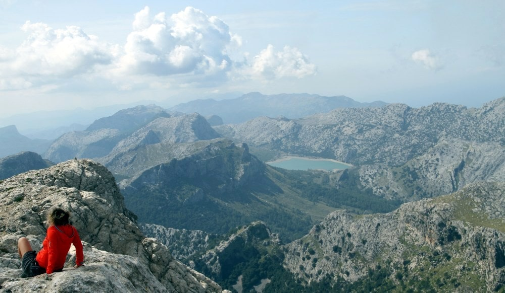 Soller Town property owners can enjoy many hiking routes and admire surrounding mountains.