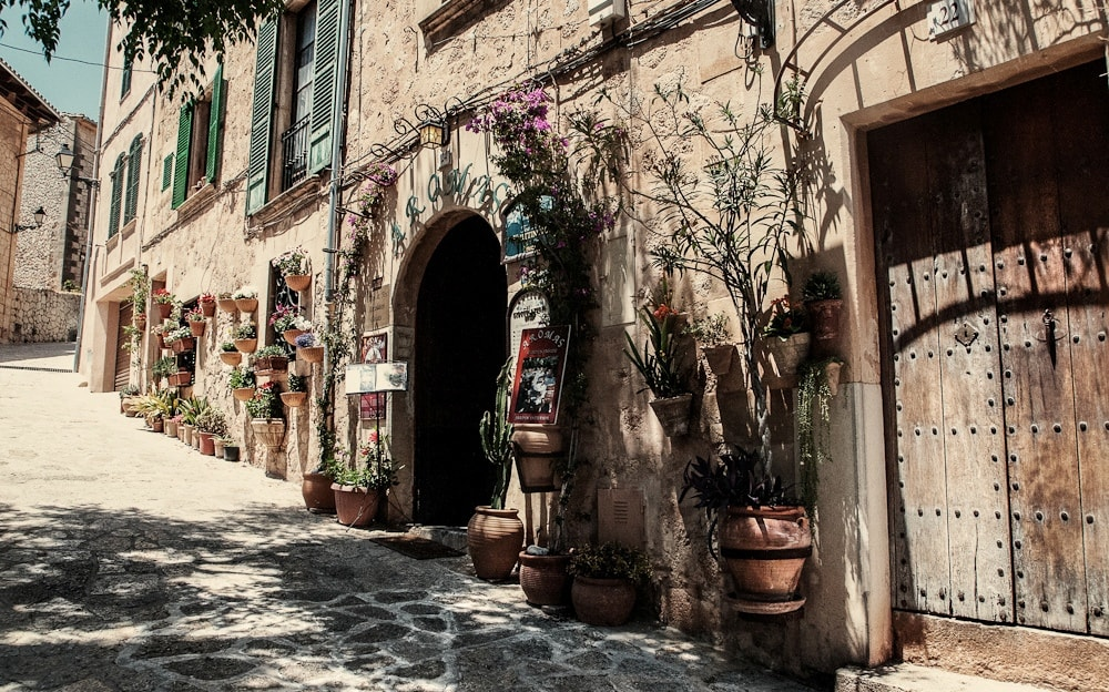 Streets of Valldemossa property market.