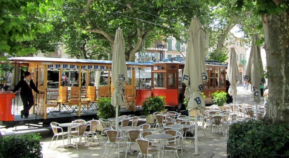 tram soller town mallorca casafari
