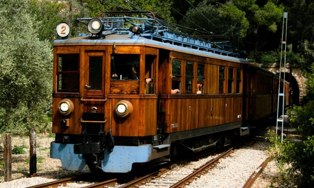 vintage train soller mallorca