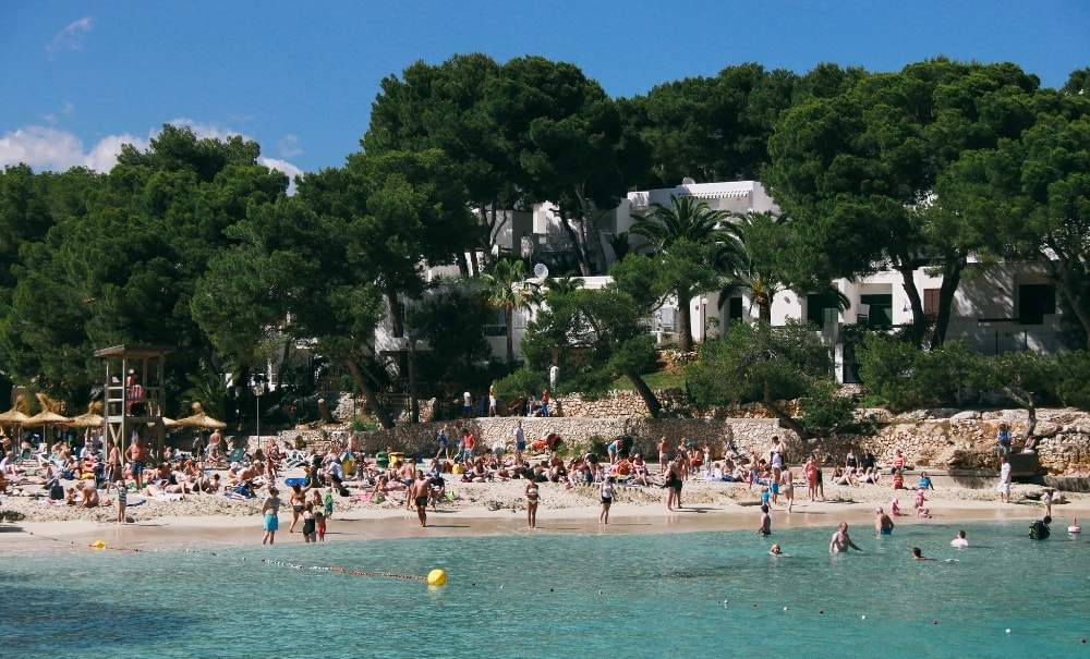 Cala d'Or property on the beach.