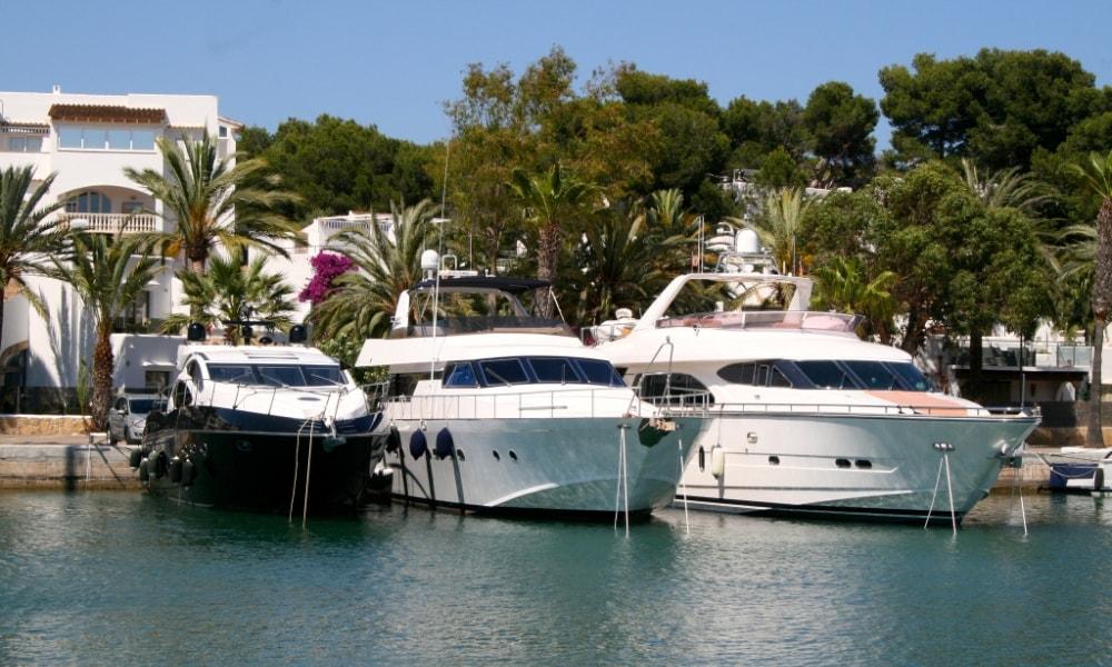 Cala d'Or property market, marina.