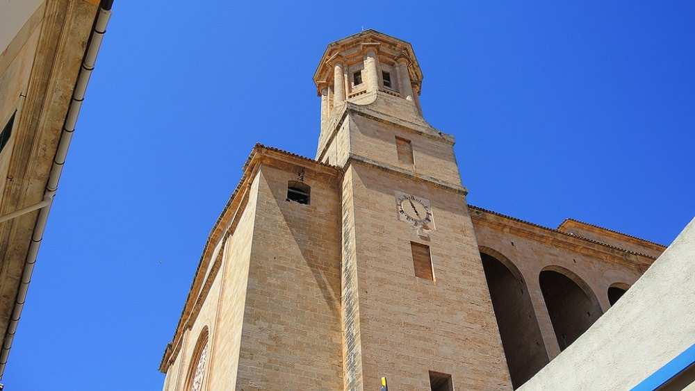 Llucmajor Town property market is interlaced with historical buildings like Church of Sant Miguel.
