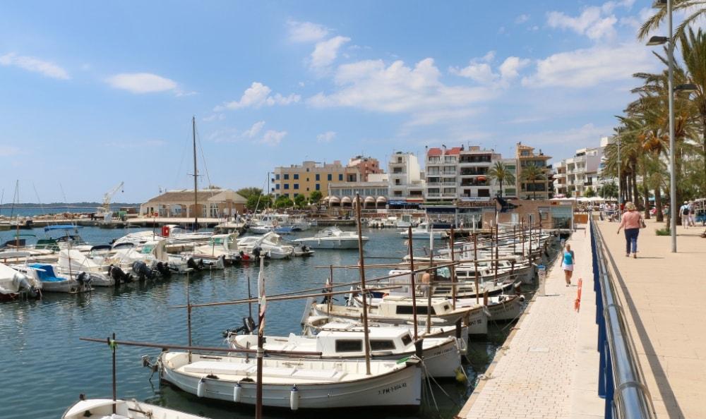 Cala Millor property market, harbor.