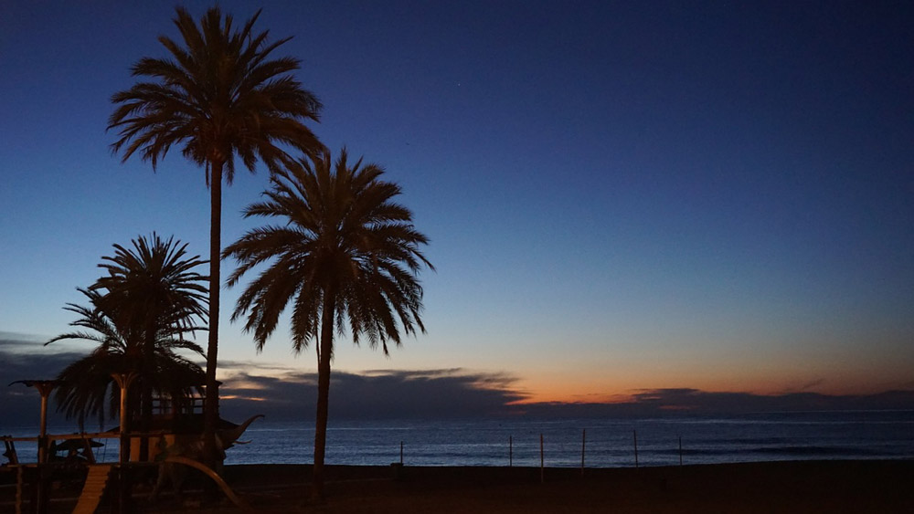 Buyers of Malaga property enjoy beautiful sunsets on many beaches along the coast of Costa del Sol.
