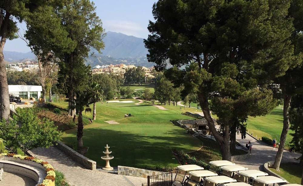 Situated in the area next to a number of golf courses, Cancelada property is a perfect option for every golf lover.