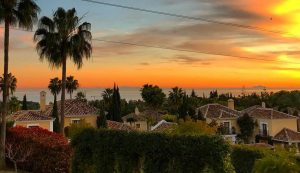 El Paraiso property with a sea view has a premium value on the selling price.