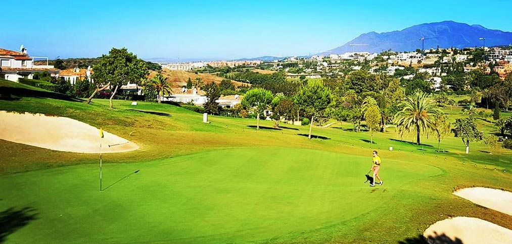 Stunning views from a number of golf courses is appreciated by El Paraiso property buyers.