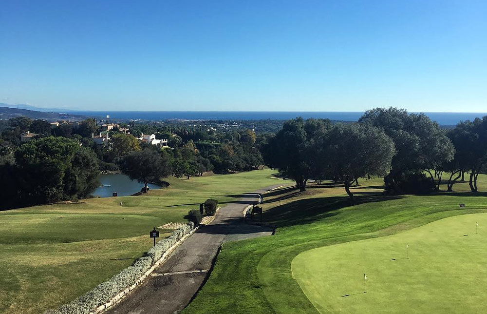 Sotogrande Alto property market is surrounded by a number of golf courses.