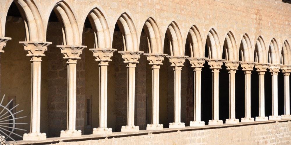 barri gotic property guide casafari ciutat vella barcelona spain