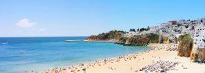 Strand in Albufeira - Immobilien Führer von Casafari, Portugal