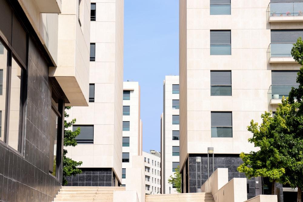 benfica-property-guide-casafari-metasearch-marketwatch-neighbourhood-realestate-secondhomebuyer