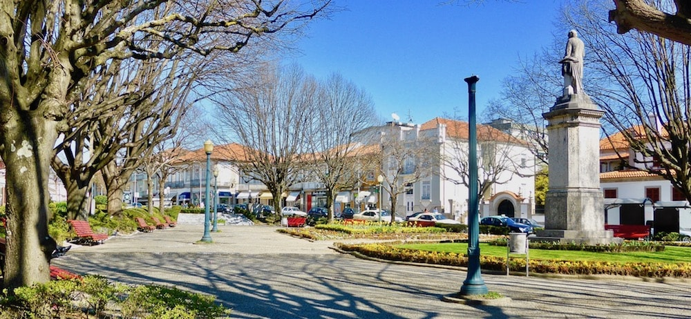 santo tirso property guide